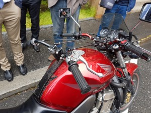Dual handlebars fitted with brake and clutch NOT throttle